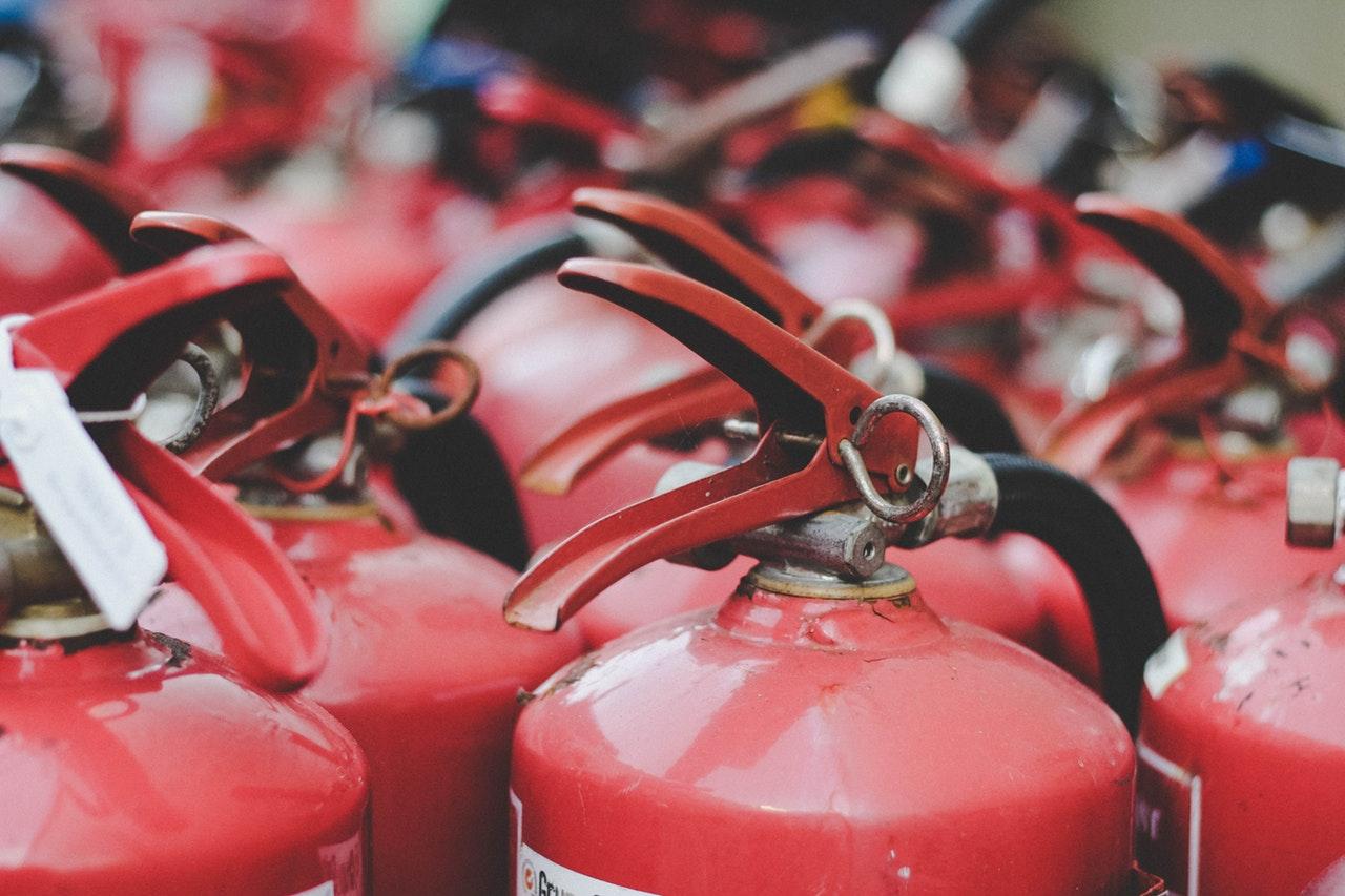 Tata Cara Penggunaan Alat Pemadam Api Ringan
