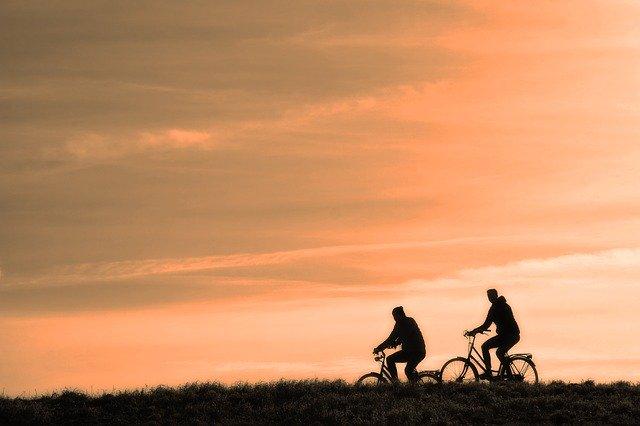 Saran Dari Dokter untuk Para Pehobi Sepeda